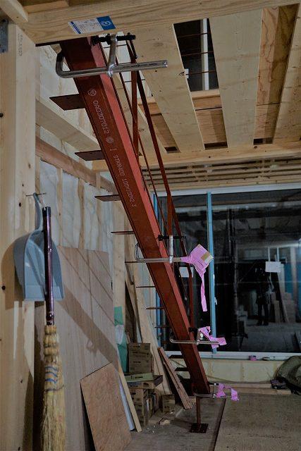 建築家と建てる鎌倉で建てる鉄骨階段